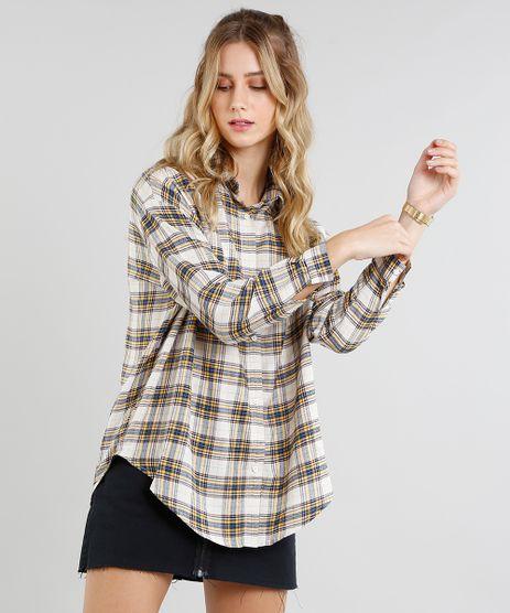 Camisa-Feminina-Oversized-em-Flanela-Estampada-Xadrez-Manga-Longa-Bege-Claro-9364273-Bege_Claro_1