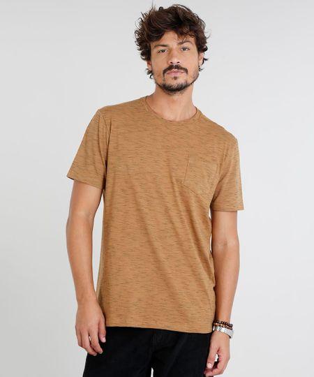 1774c14d08 Menor preço em Camiseta Masculina com Bolso Manga Curta Gola Careca Caramelo