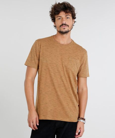 Camiseta-Masculina-com-Bolso-Manga-Curta-Gola-Careca-Caramelo-9286133-Caramelo_1