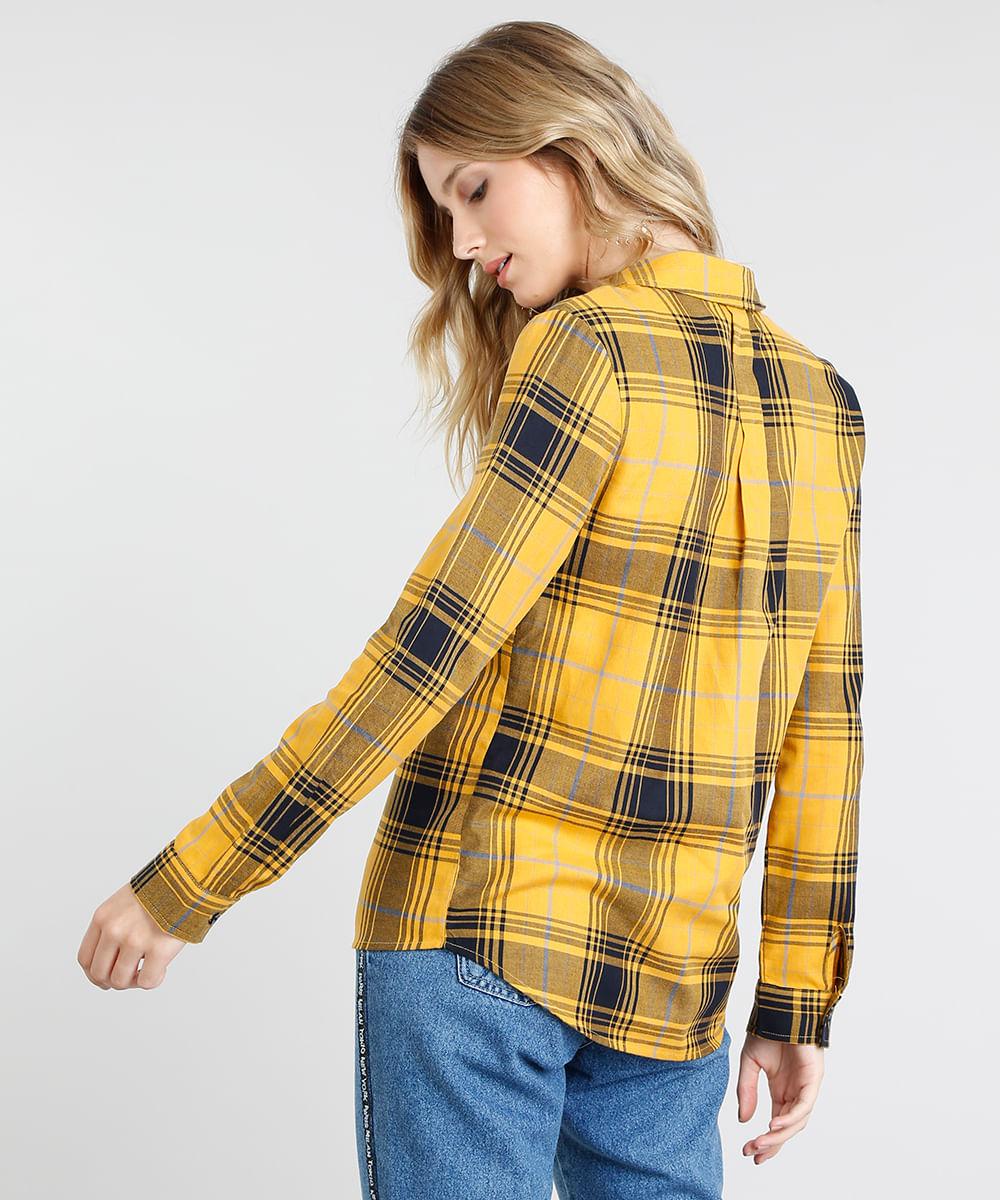 eaca4cfaf Camisa Feminina Estampada Xadrez com Bolso Manga Longa Preta - cea