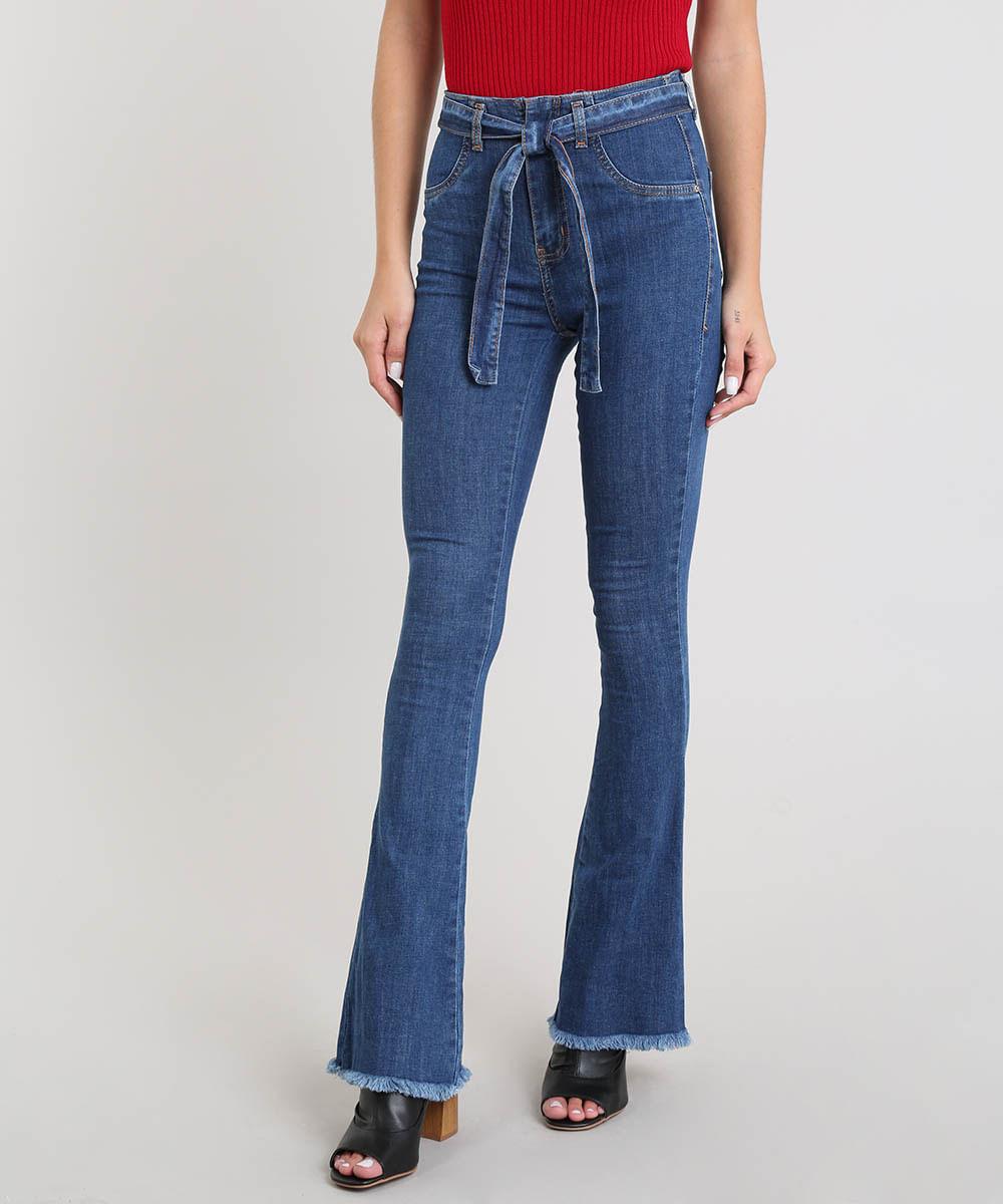732cf5e1a Calça Jeans Feminina Sawary Flare com Barra Desfiada e Cinto Azul ...