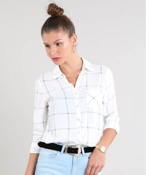 f694fa191 Camisa Feminina Estampada Xadrez com Bolso Manga Longa Off White - cea