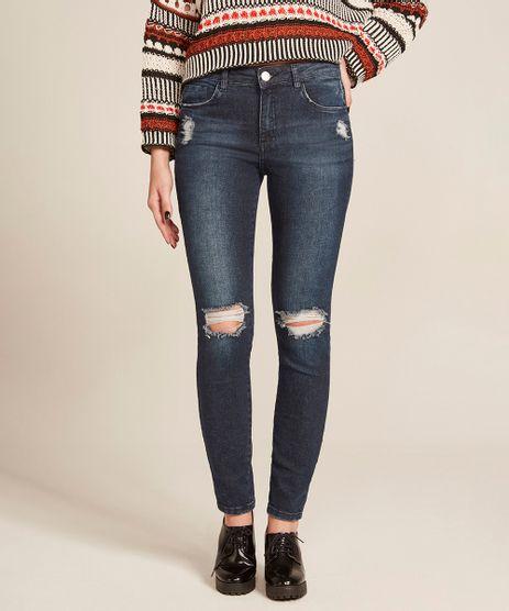 Calca-Jeans-Feminina-Cigarrete-com-Rasgos-Azul-Escuro-8633583-Azul_Escuro_1
