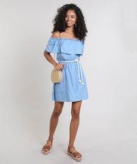 596a378527 Vestido Jeans Feminino Ombro a Ombro com Babado e Cinto Azul Claro ...