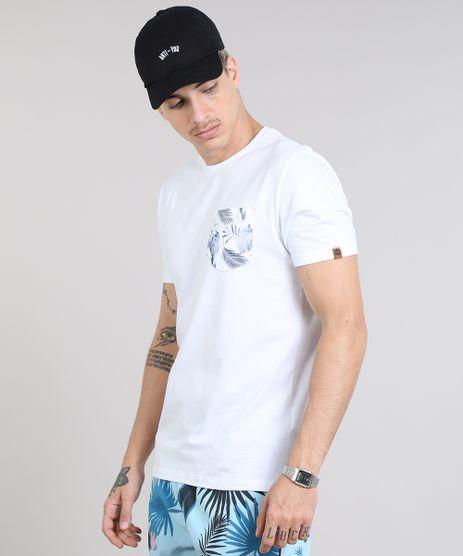 Camiseta-Masculina-com-Bolso-Estampado-Floral-Manga-Curta-Gola-Careca-Branca-9536514-Branco_1