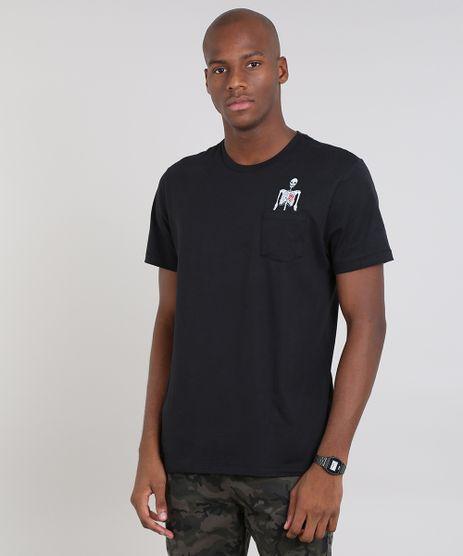 Camiseta-Masculina--com-Bolso-e-Caveira-Manga-Curta-Gola-Careca-Preta-9607963-Preto_1