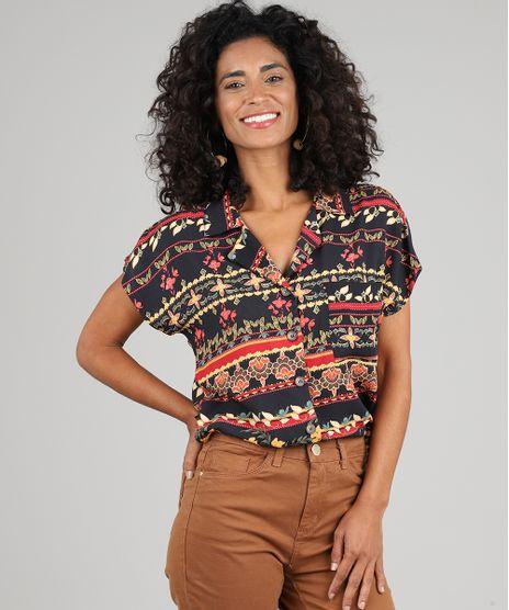 Camisa-Feminina-Estampada-Floral-com-Bolso-Manga-Curta-Preto-9530002-Preto_1