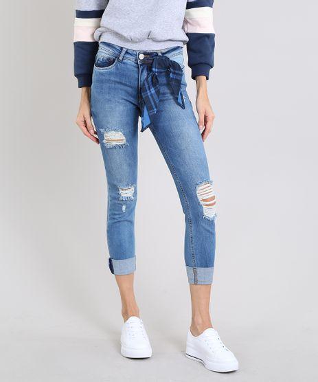 Calca-Jeans-Feminina-Cropped-com-Rasgos-e-Bandana-Estampada-Xadrez-Azul-Medio-9589276-Azul_Medio_1